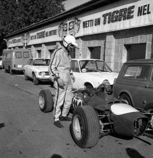 Gara automobilistica a Vallelunga 1973 (104)