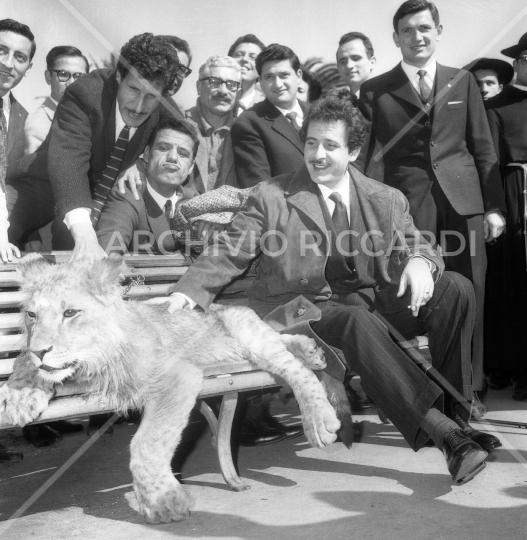 Domenico Modugno - con Franco e Ciccio - 1961007
