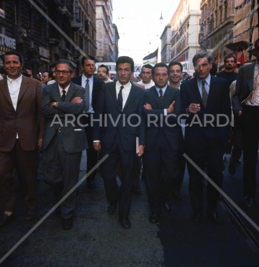 Enrico Berlinguer -1971 - manifestazione a Roma - 039