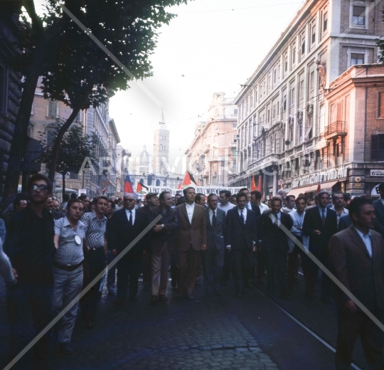 Enrico Berlinguer -1971 - manifestazione a Roma - 041