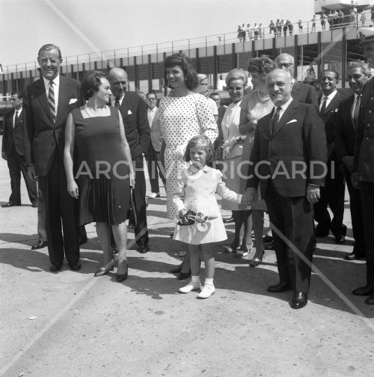 Jacqueline Kennedy - 1962 - riparte da Fiumicino - con Fanfani - 23