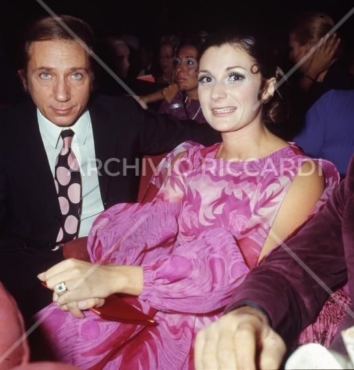 Mike Bongiorno - 1970 - Maschere D Argento - con Giuliana Longari -03