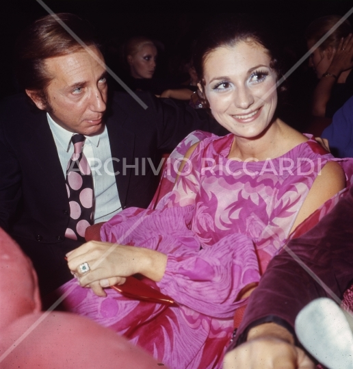 Mike Bongiorno - 1970 - Maschere D Argento - con Giuliana Longari -05