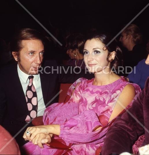 Mike Bongiorno - 1970 - Maschere D Argento - con Giuliana Longari -07
