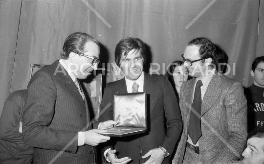 Nino Benvenuti premiato da Giulio Andreotti anno 1972 - 058