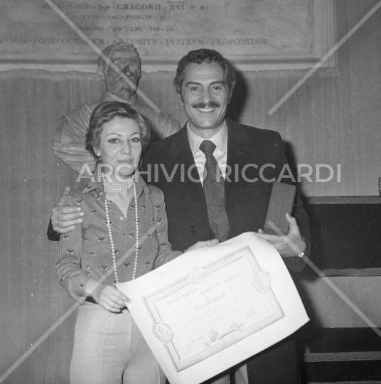 NinoManfredi - 1974 - con i fotografi - 077