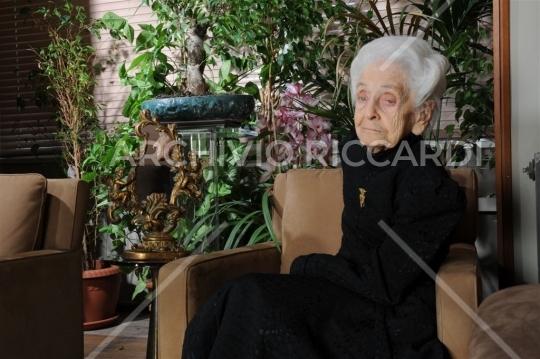Montalcini Rita (84)