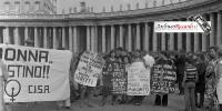 Manifestazione Radicali a Piazza San Pietro per aborto volontario (11)